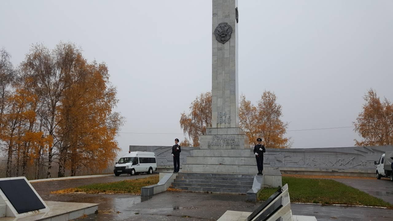 Монумент воинам-водителям